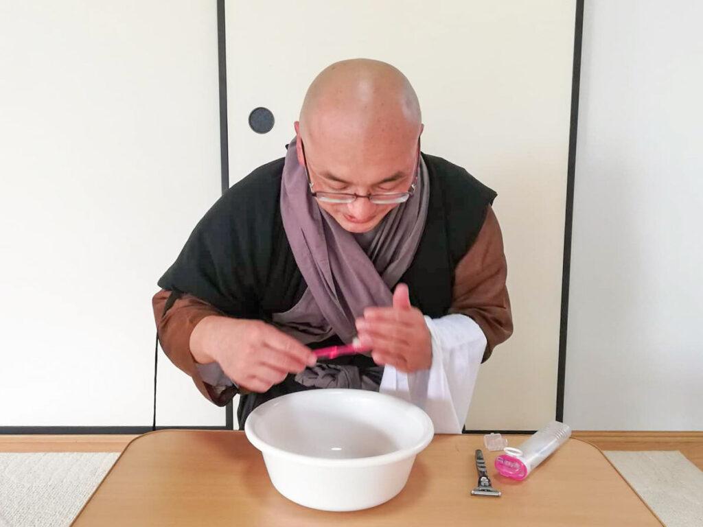 永平寺の洗面作法・歯磨き